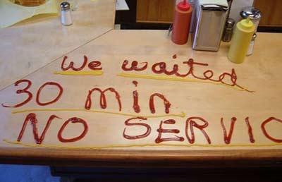 bad customer service خدمت به مشتری نامناسب
